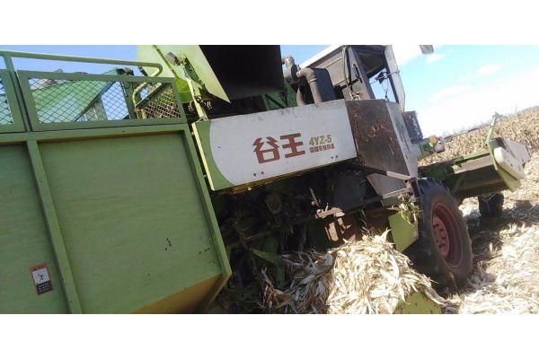 中联收获4YZ-5自走式玉米收获机