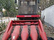 中农博远4YZ-4C自走式玉米收获机