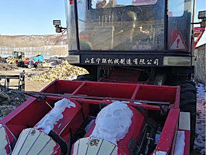 宁联4YZ-3QZA自走式玉米收获机