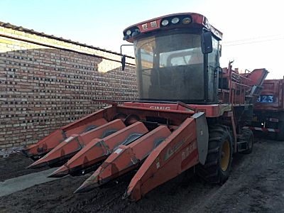 巨明新四行(452)升级版玉米收割机