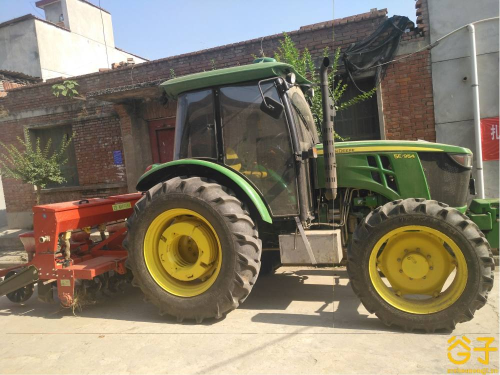 约翰manbetx万博体育5-954拖拉机