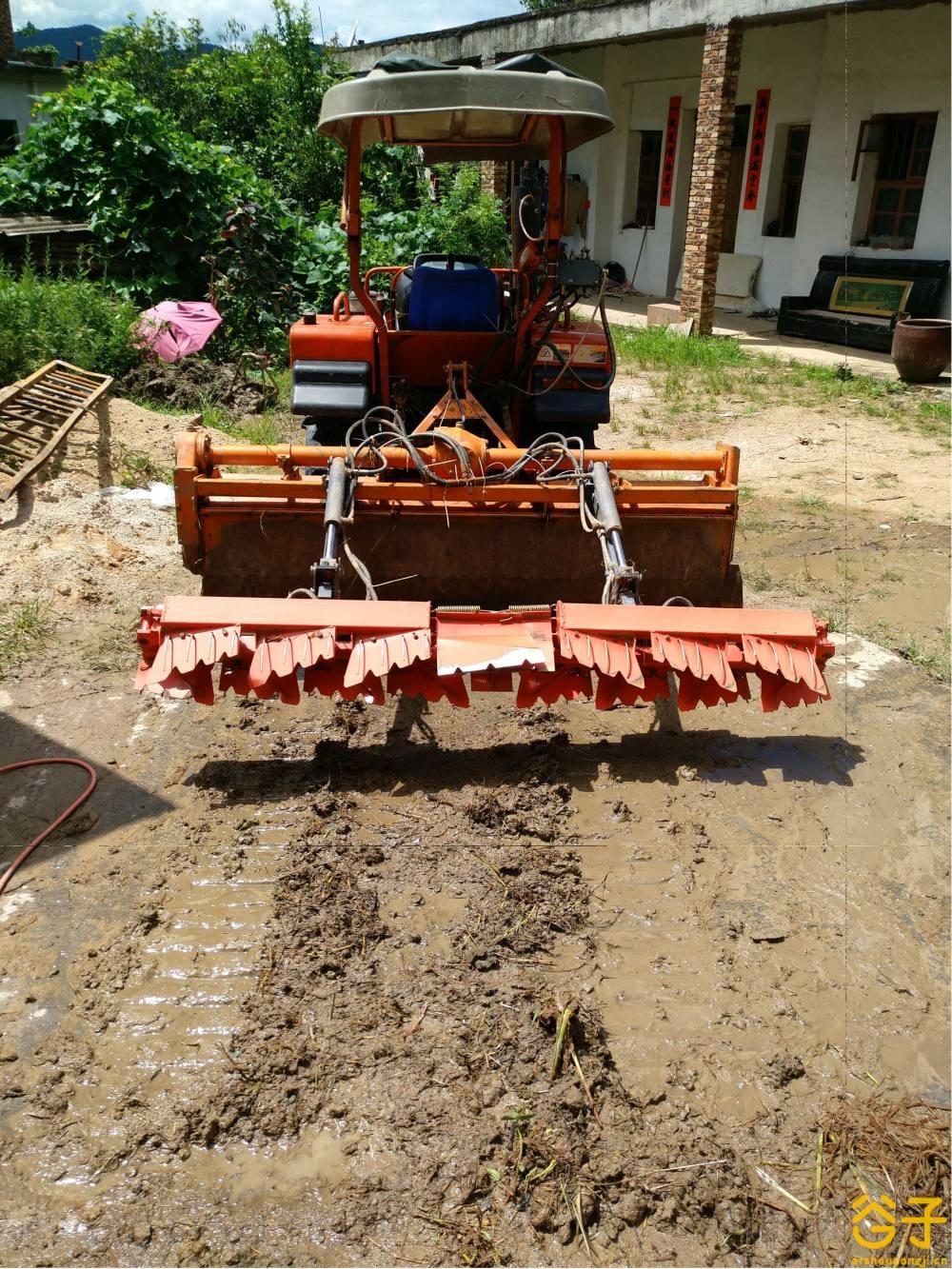 农夫NF-Q702履带式拖拉机