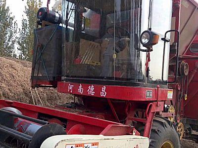 豫德昌4HZJ-2500自走式花生捡拾收获机