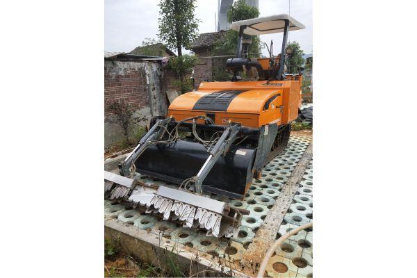 龙舟1GZ-180履带旋耕机