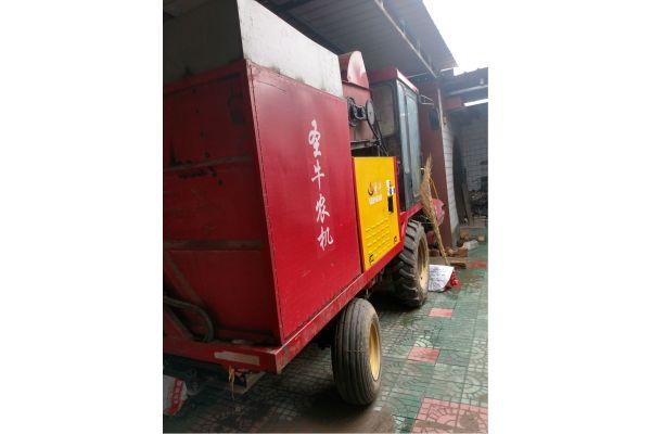 圣牛4YZB-3玉米收割机