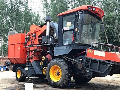 英虎4YZB-4B玉米收割机