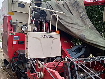雷沃超越版RG50水稻收割机