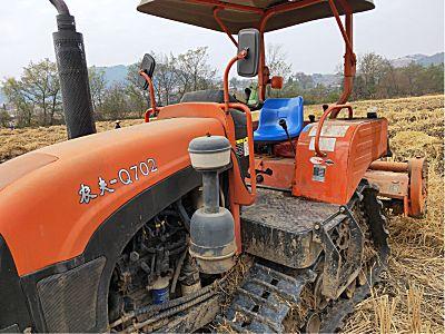 农夫Q702拖拉机