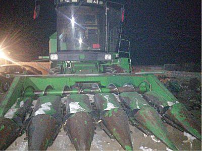 <em>约翰迪尔</em>Y210玉米收割机