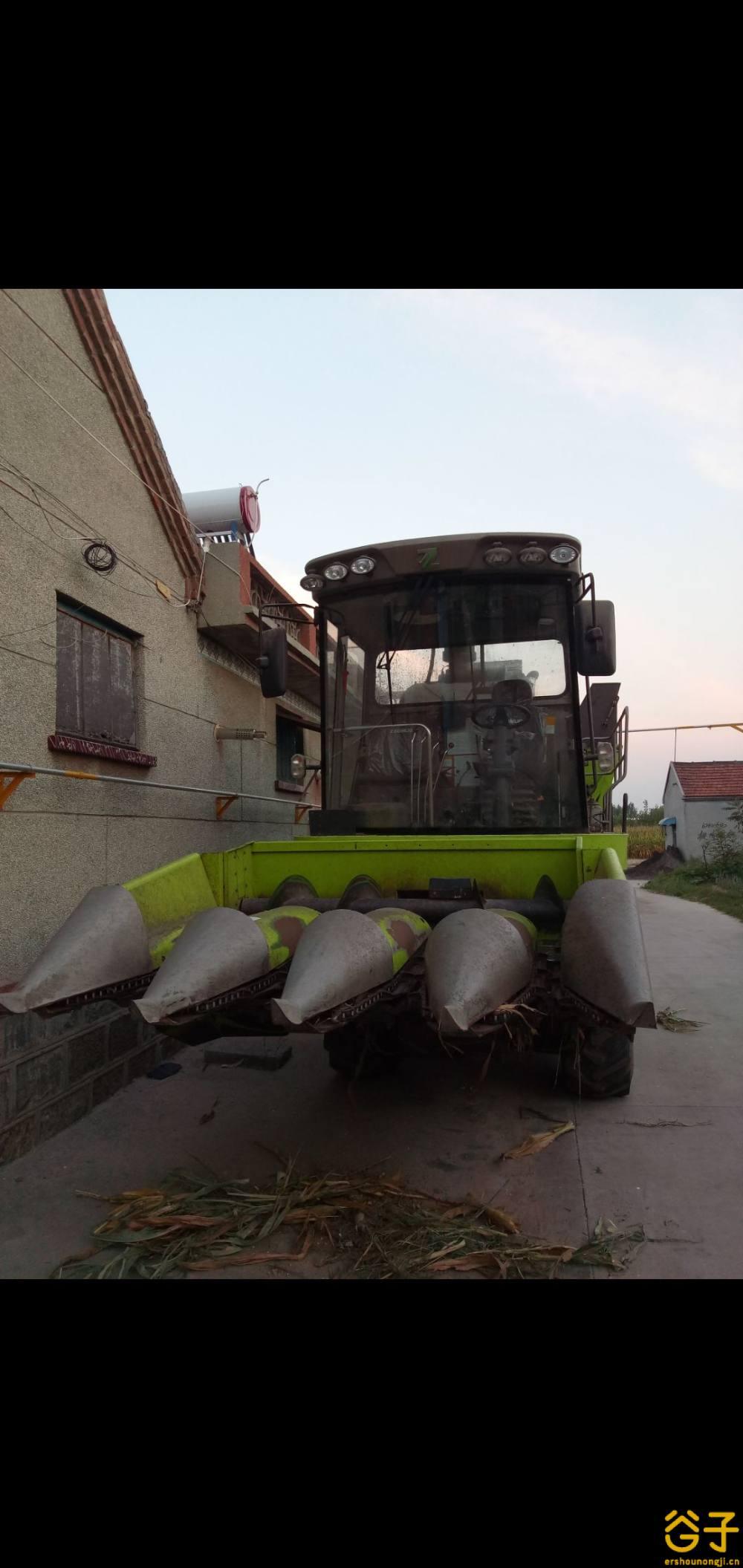 中联谷王CC40(4YZ-4CM)玉米收割机