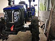 雷沃欧豹M804-BA轮式拖拉机