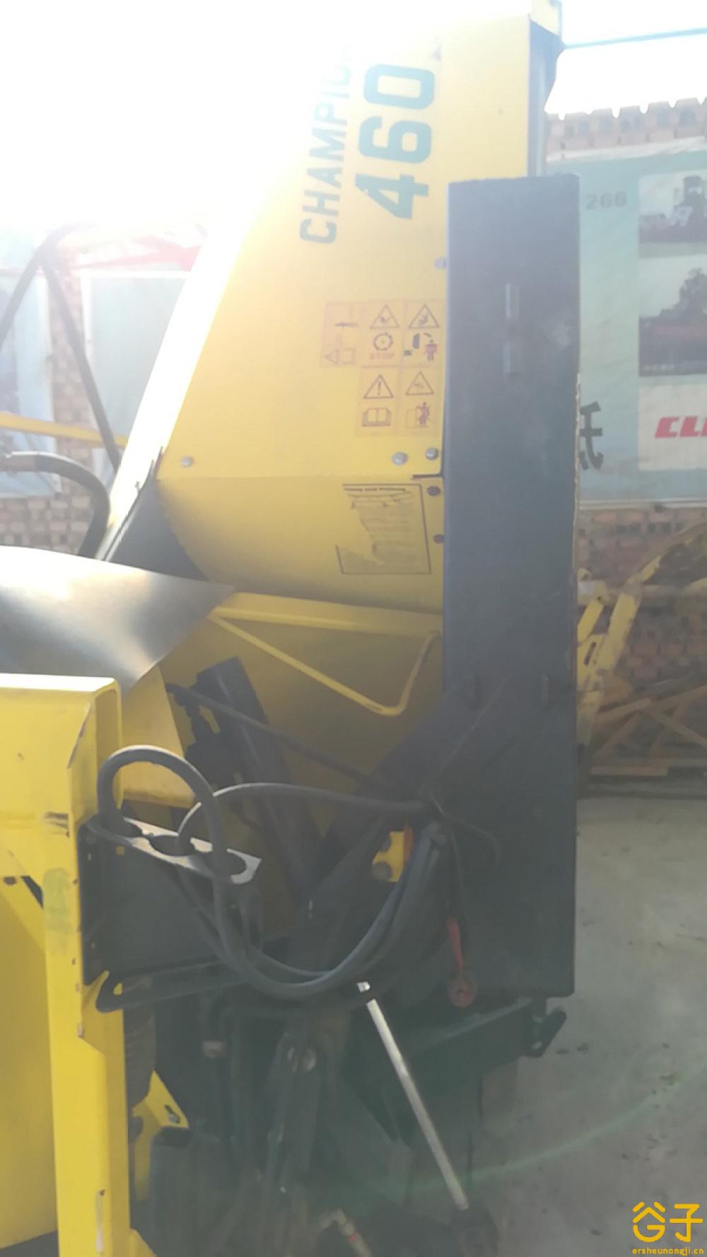 克罗尼V8青贮机