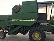 约翰迪尔W70(原1042)联合收割机