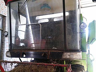 中联收获新疆4LZ-6谷物联合收割机