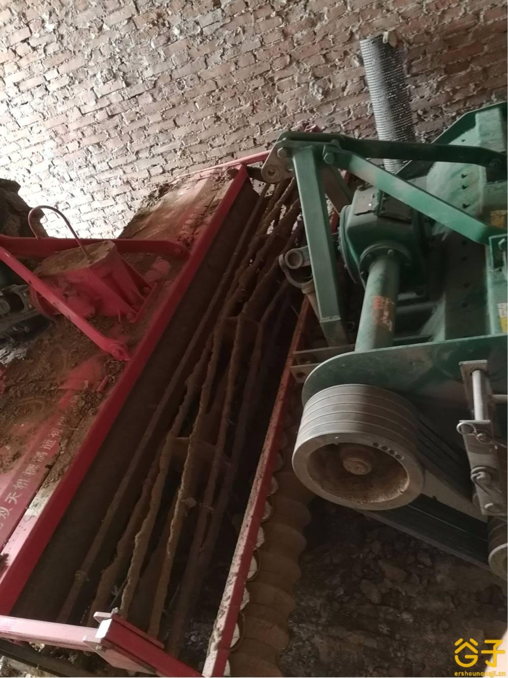 东方红LX1300轮式拖拉机