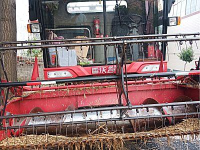 雷沃谷神GE60(4LZ-6E2)小麥聯合收割機