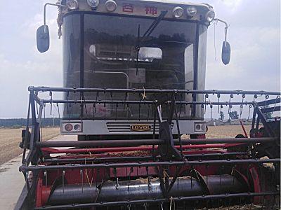 雷沃谷神麦克小麦收割机