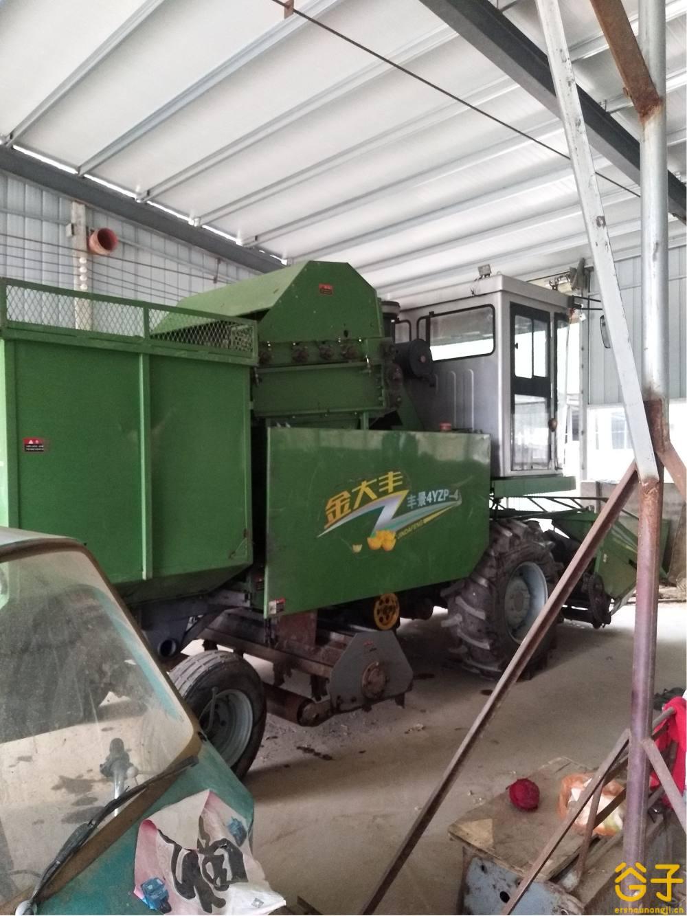 金大丰4YZP-4玉米收获机