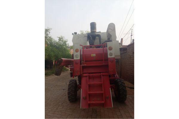 雷沃谷神GF50小麦收割机