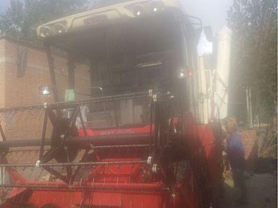 雷沃GE60小麥收割機