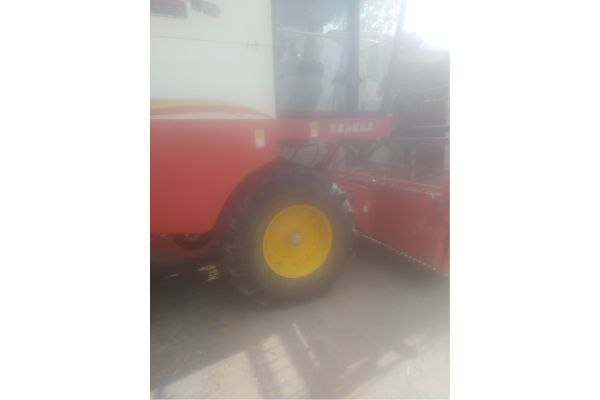 雷沃GE60小麦收割机
