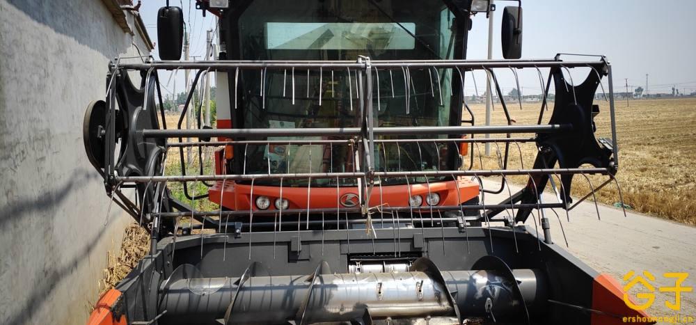 久保田100小麦收割机