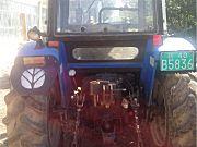 纽荷兰704拖拉机