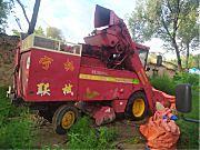 宁联4YZ-3玉米收割机