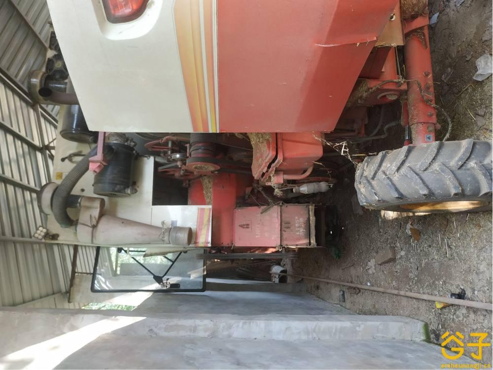 雷沃谷神GE60小麦收割机