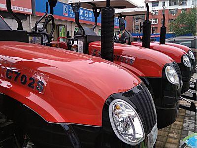 东方红702S履带式拖拉机
