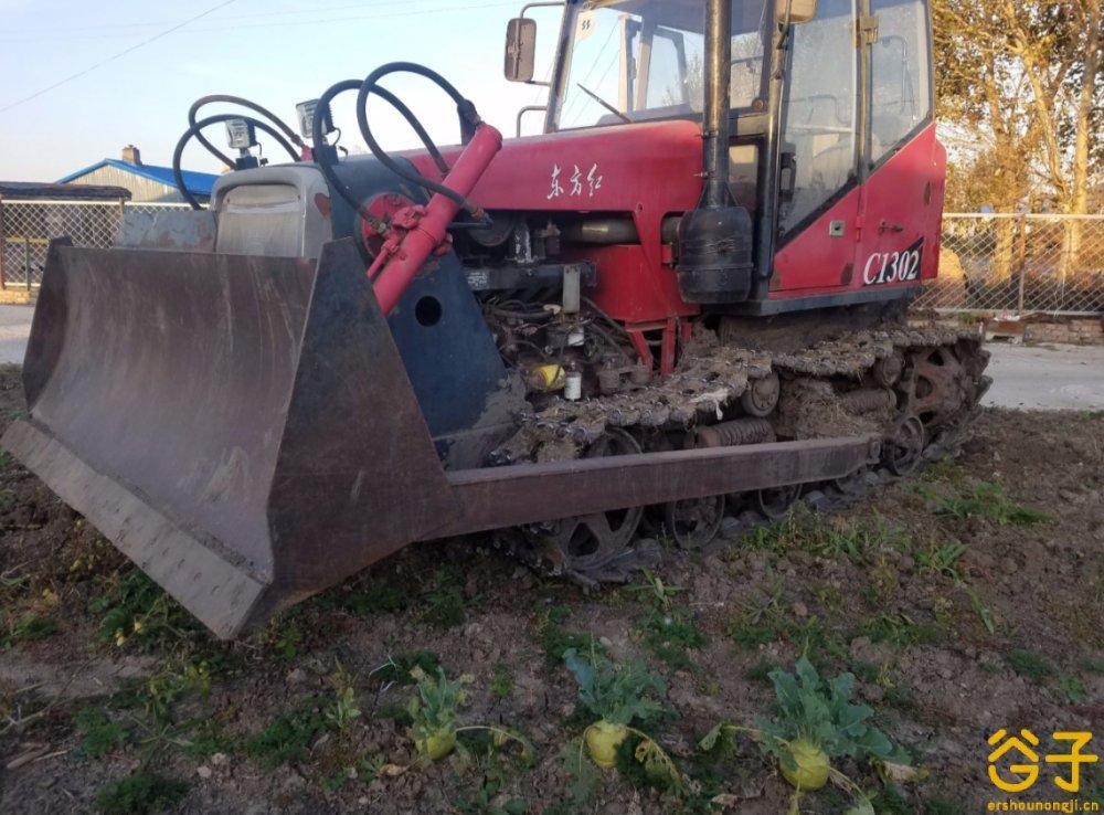 东方红1302拖拉机