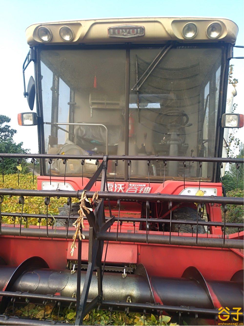 雷沃谷神GE60自走式谷物联合收割机