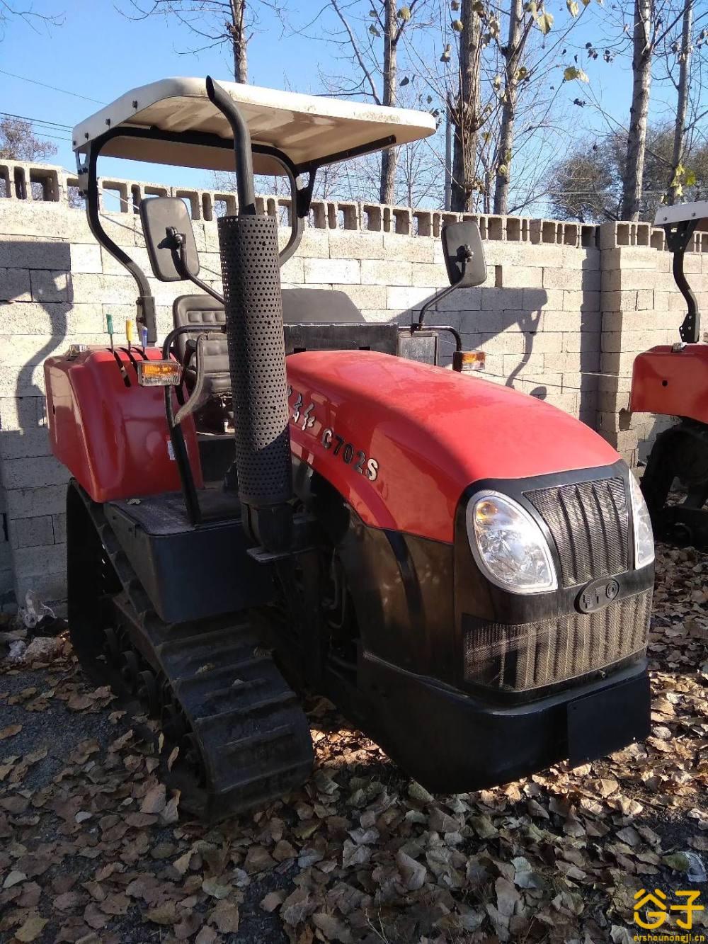 东方红702履带式拖拉机