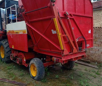 雷沃谷神CC04(4YZ-4h)玉米收割机
