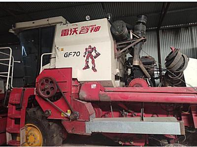 雷沃GF70收割机