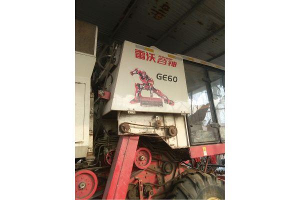 福田GE60小麦收割机