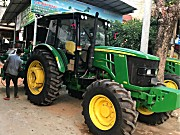 约翰迪尔6B1204拖拉机