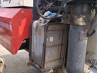 东风100马力的水稻收割机