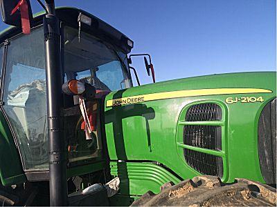 二手约翰迪尔2104拖拉机
