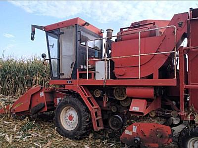 福格森4Yz-4A玉米收割机