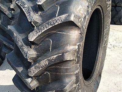 约翰迪尔拖拉机轮胎
