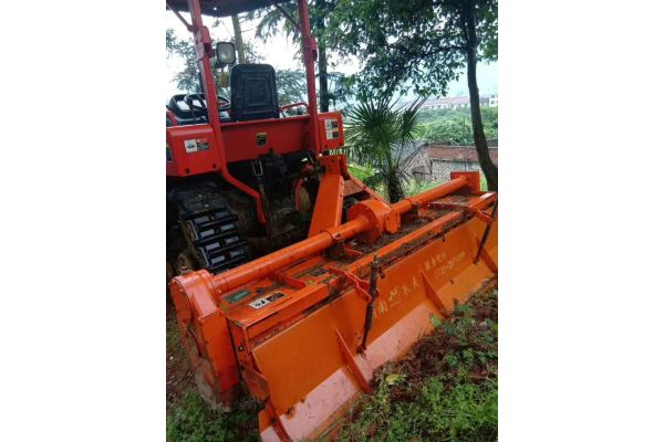 农夫702履带拖拉机