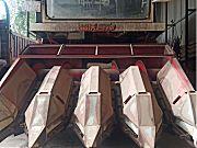雷沃4B玉米联合收割机