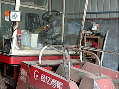 春雨4YZP-2两行玉米收割机