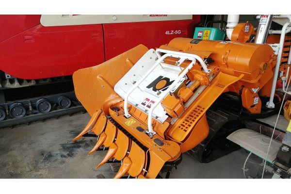 广西开元4LBZ-110型半喂入履带自走式水稻联合收割机