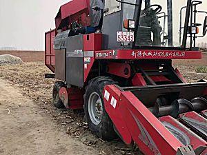 新疆牧神4YZB-4收割机