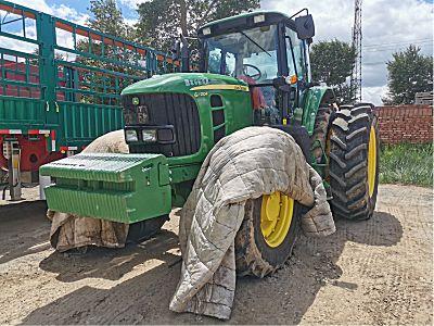 约翰迪尔2104拖拉机