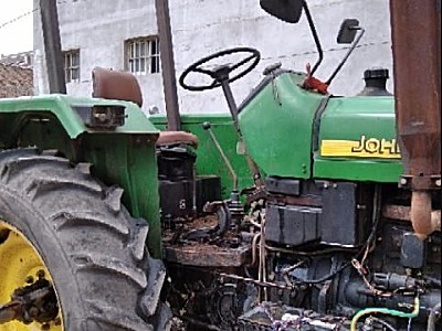 迪尔天拖820拖拉机