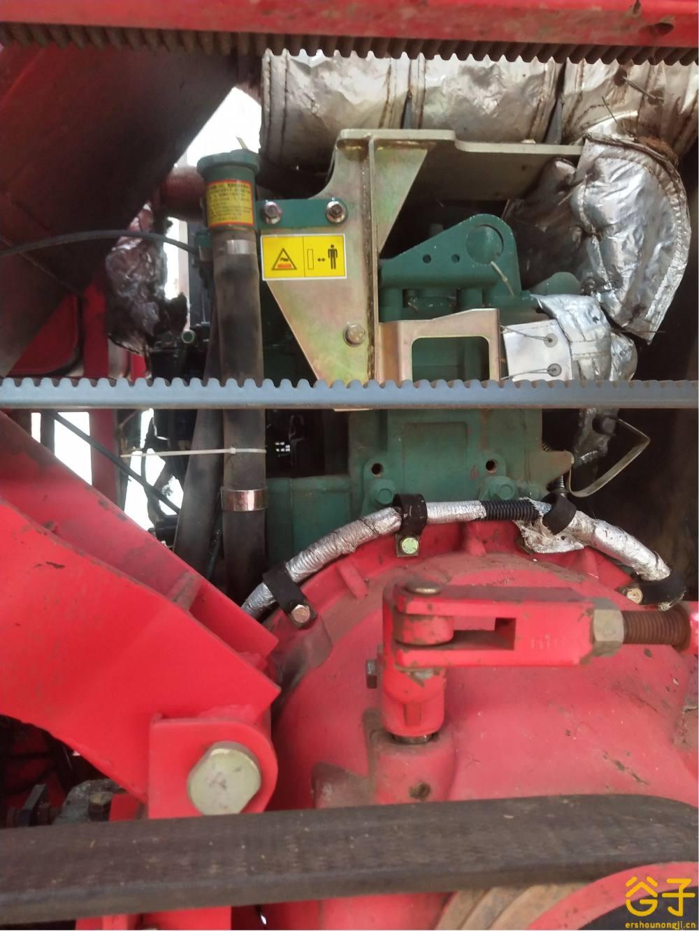 雷沃CB03玉米收割机
