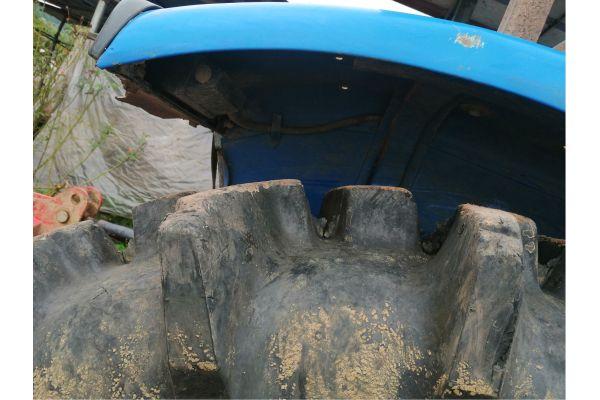 纽何兰754拖拉机